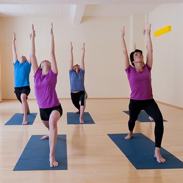 Ansicht einer der Yoga-Asana Der Krieger